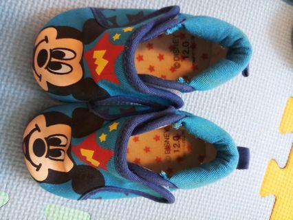 Mickey baby 嗶嗶鞋12 cm購自日本