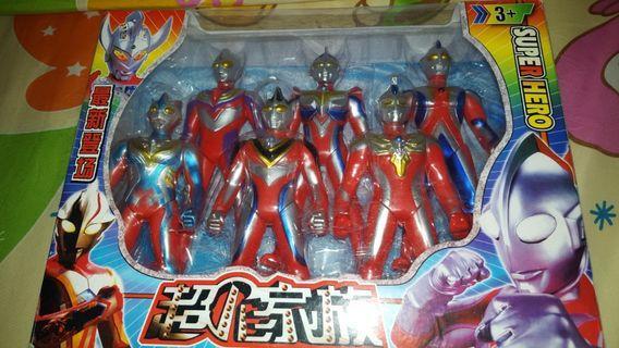 Pre-💗 Ultraman figures