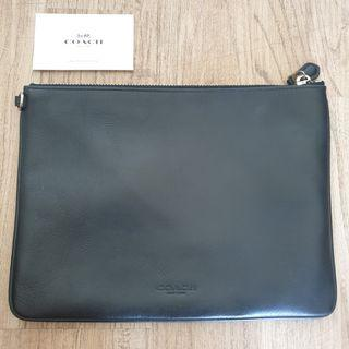 COACH POUCH BLACK FULL LEATHER