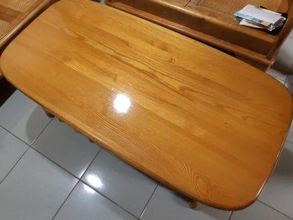 實木客廳桌●存放空間大