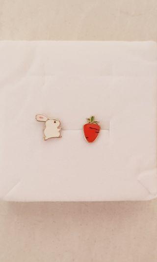 100% 925 Sterling Silver Tiny Carrot Rabbit Animal Stud Earrings