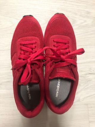 Preloved New balance Red Maroonish Sneakers