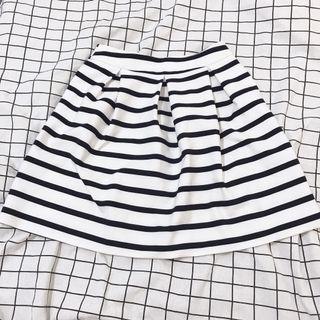 🚚 ZARA 黑白條紋裙