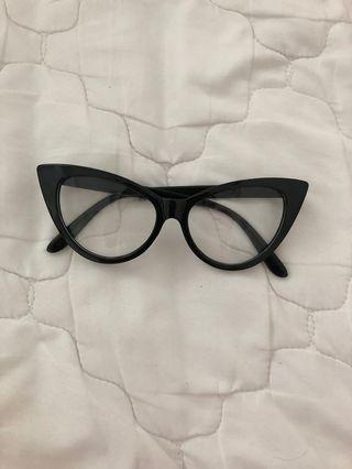 Cat eye spec