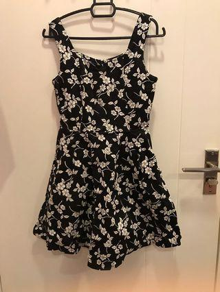 Floral dress Black and White