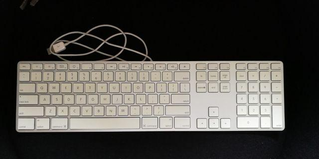 Apple Magic Keyboard & Mouse (USB)