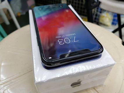 iPhone X 64GB Gray  Factory Unlocked smooth no issue