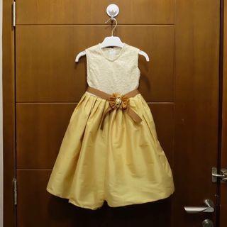 Gaun anak perempuan cream