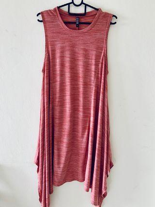 Sleeveless Dress with slit