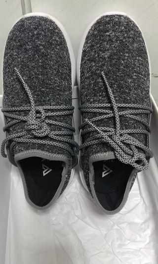 Vessi防水編織運動鞋  木炭灰