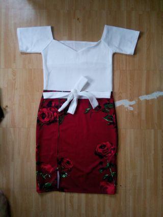 Off shoulder dress with zipper slit