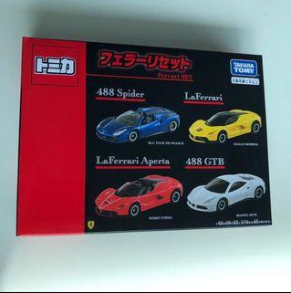 Tomica Ferrari set 488 laferrari