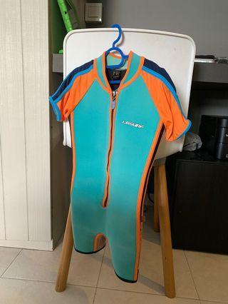 🚚 LRsurf Thermal swimwear size 8