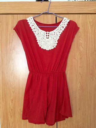 紅色上衣 裙擺