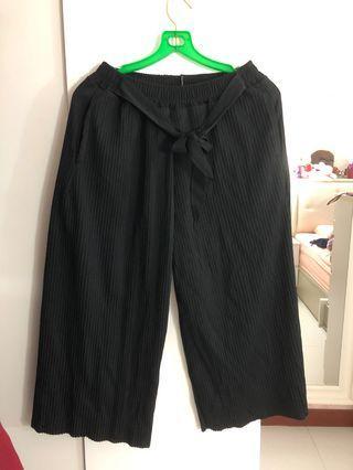 🚚 Elastic waist three quarter Pants (Black)