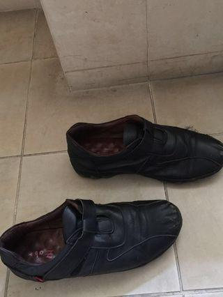 Leather Walking shoes (already cleaned)- Broad feet