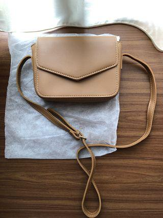 Small Sling Bag (brown)