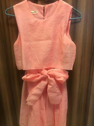 🚚 粉色連身小禮服