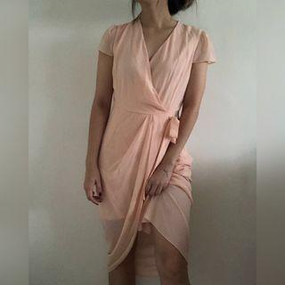 ⭐️ Pink Peach Faux Wrap Dress