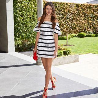 👗(BNWT) Forever New Madeline Off Shoulder Mini Dress