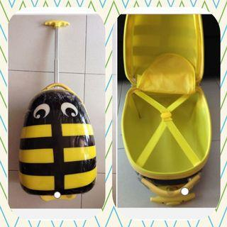 🚚 Free yellow bed purse with New Yellow bee hard cover trolley luggage purchased(can store ipad, tablet etc. )