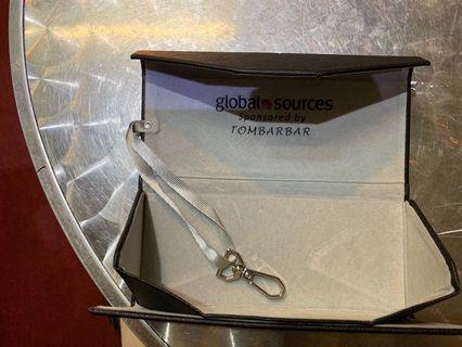 可摺疊眼鏡盒