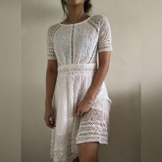 🚚 ⭐️ White Lace Crochet Dress