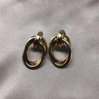 金屬環扣耳環 Gold twisted rings earrings