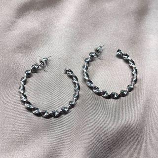 銀扭紋耳圈 Silver twist hoop earrings
