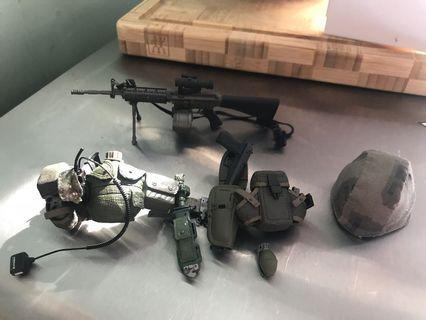 軍事figure 散件 長槍 腰帶 手榴彈X4