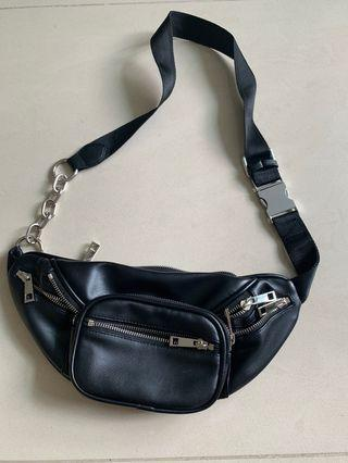 🚚 Used once black waist pouch