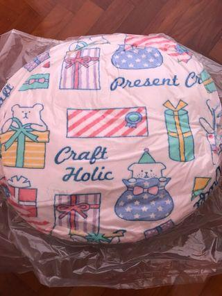🚚 Craftholic round pink present cushion