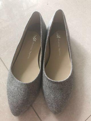 Oriental Traffic 灰色平底鞋 38碼