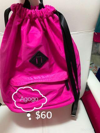 粉桃紅背包