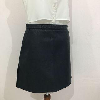 Topshop Leather Embossed Skirt (Rok Wanita)