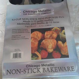 New Chicago Metallic Non-Stick 12 Muffin Baking Tray