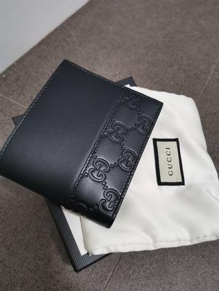 🚚 Gucci men's wallet