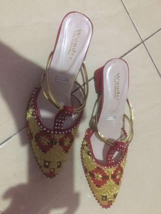 Sepatu tenun asli asal lampung