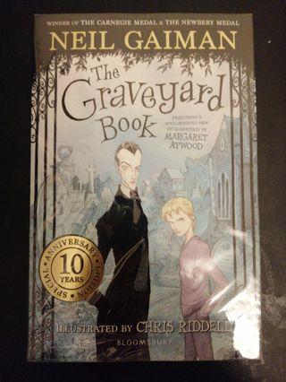 🚚 Neil Gaimen: The Graveyard Book
