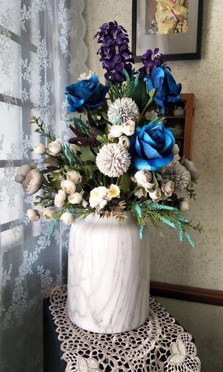 🚚 Pots of Petals Flower Arrangements