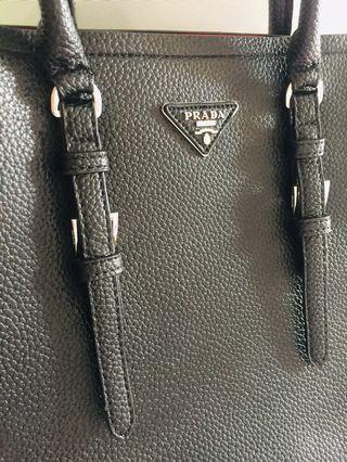 🚚 Prada Bag!!!