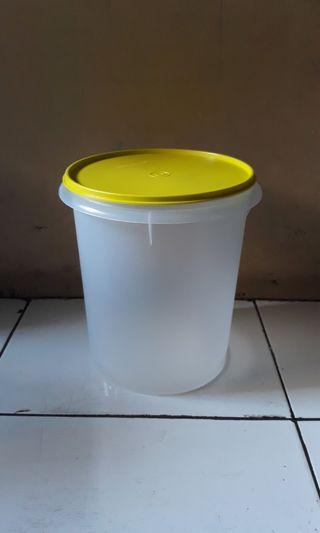 Tupperware Toples Giant Canister New Sale