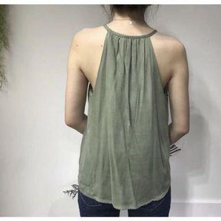 🚚 H&M Green Lace Trim Halter Top