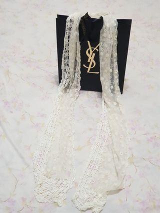 白色春夏蕾絲圍巾