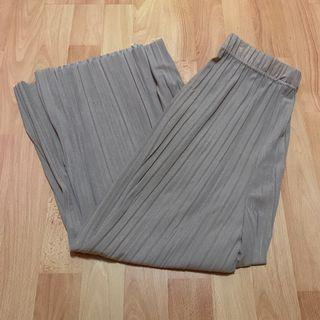 beige / brown pleated culottes / long pants
