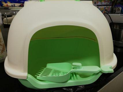 Used Cat Litter Box