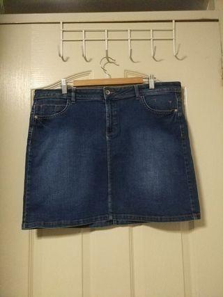 Plus Size Classic Denim skirt (UK18)