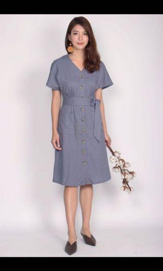 🚚 The Design Closet Eirin batwing button down dress