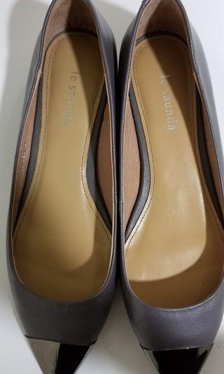 Le Saunda Grey pointed Flats 灰色尖頭返工平底鞋