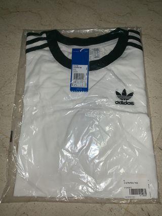 🚚 Adidas White 3 Stripes Tee